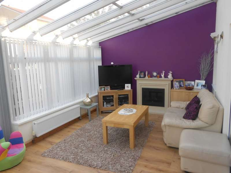 4 Bedrooms Semi Detached House for sale in Heol Brynna, Cimla