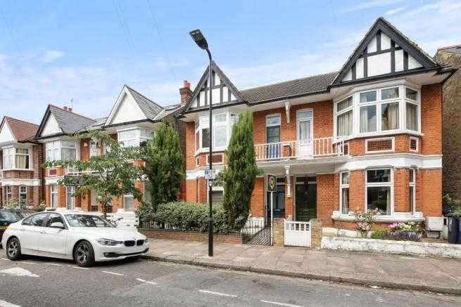 4 Bedrooms Semi Detached House for sale in Whitehall Gardens, London