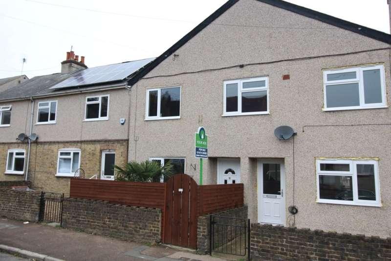 3 Bedrooms Semi Detached House for sale in Waterdales, Northfleet, Gravesend, DA11