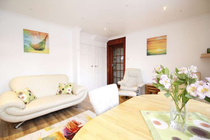 3 Bedrooms Semi Detached House for sale in Kimmeridge Road, LONDON, SE9