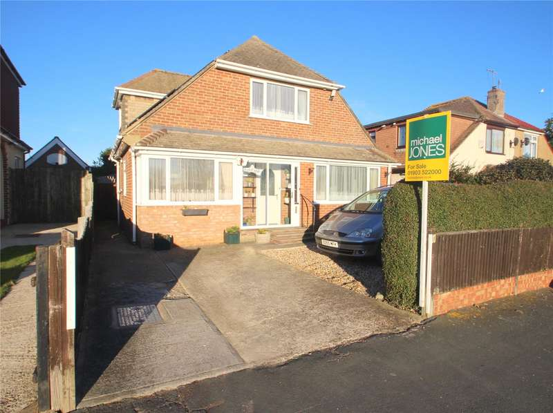 3 Bedrooms Detached House for sale in Grafton Drive, Lancing, West Sussex, BN15