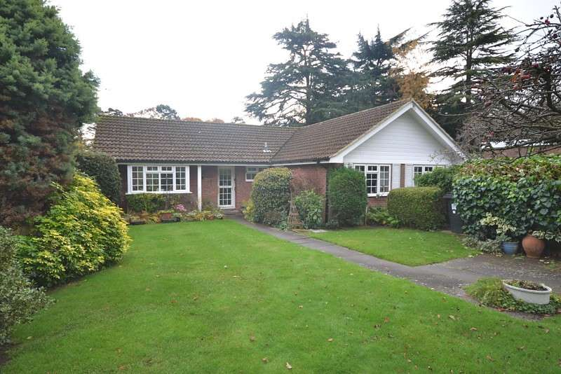 3 Bedrooms Detached Bungalow for sale in Pyrford