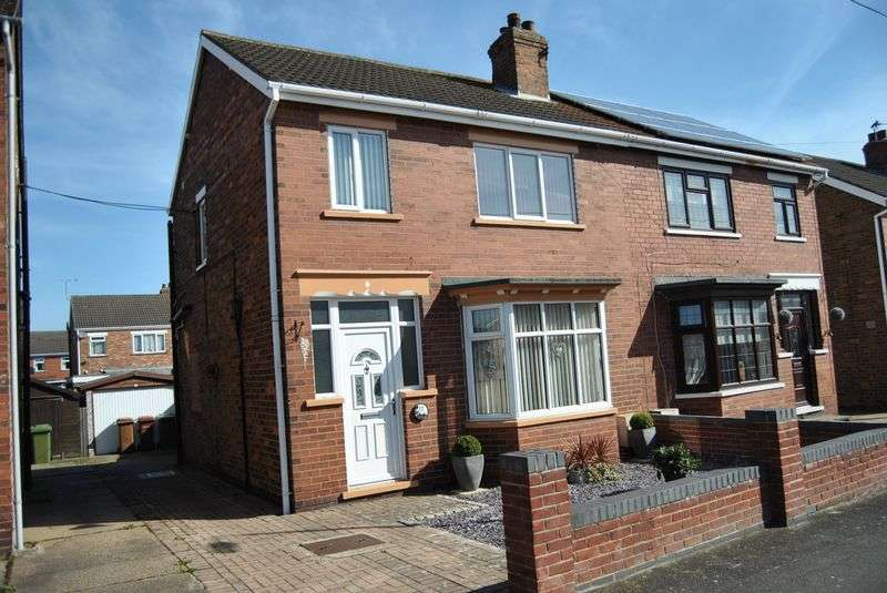 3 Bedrooms Semi Detached House for sale in Abbots Road, Scunthorpe