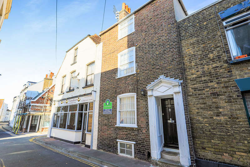3 Bedrooms Property for sale in Middle Street, Deal, CT14