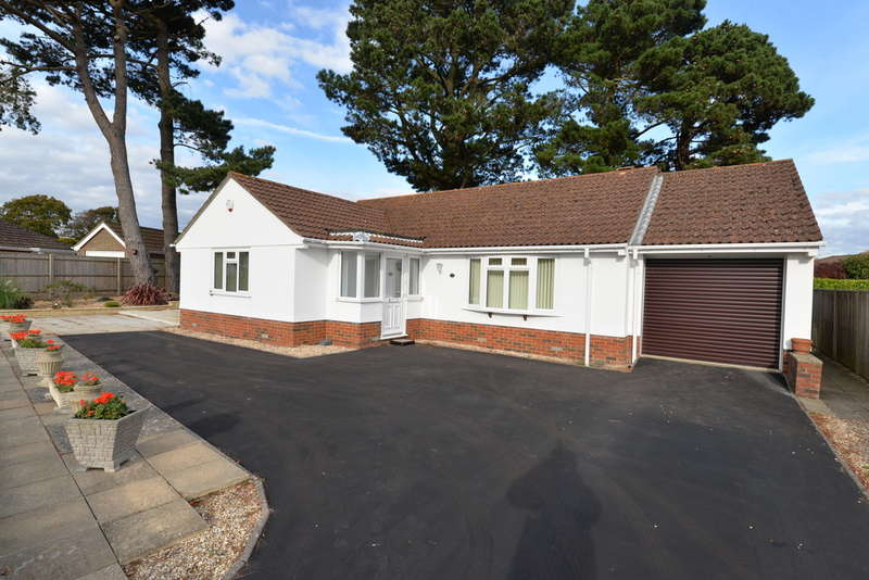 3 Bedrooms Detached House for sale in Albany Close, Barton on Sea