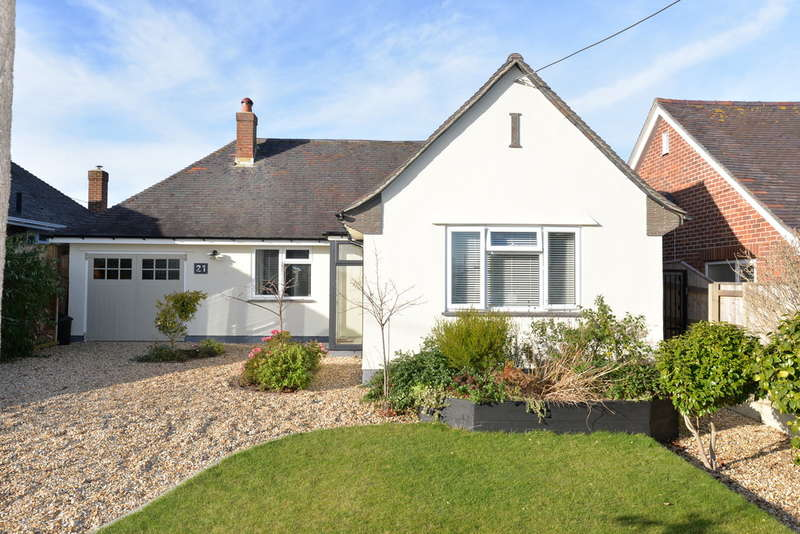 2 Bedrooms Detached House for sale in Keysworth Avenue, Barton on Sea