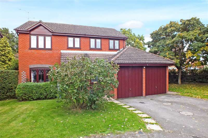 4 Bedrooms Detached House for sale in Friesian Close, Fleet, Hampshire, GU51