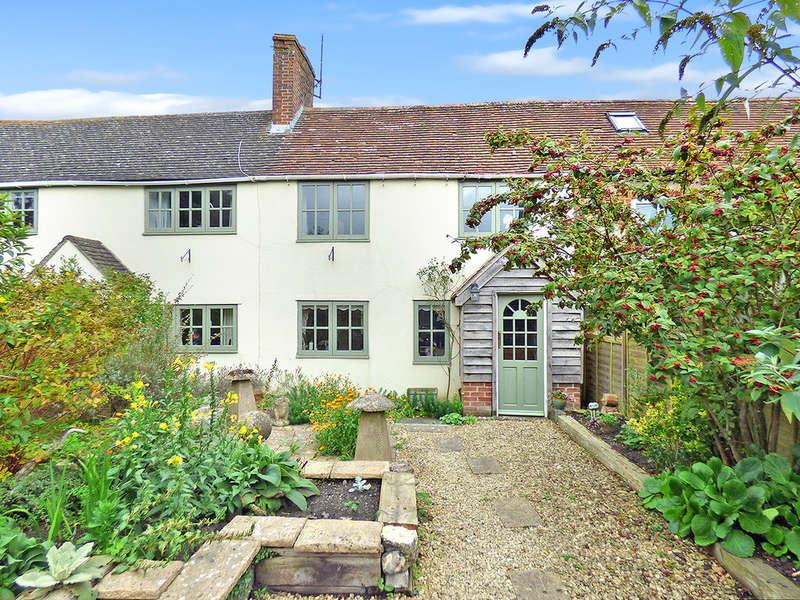 2 Bedrooms Cottage House for sale in High Street, Chapmanslade, Westbury