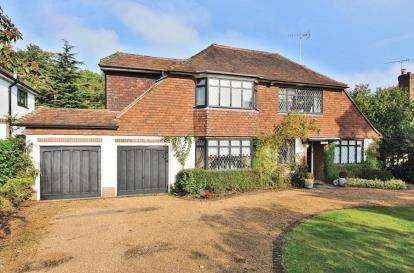 4 Bedrooms Detached House for sale in Sunnydale, Farnborough Park, Kent