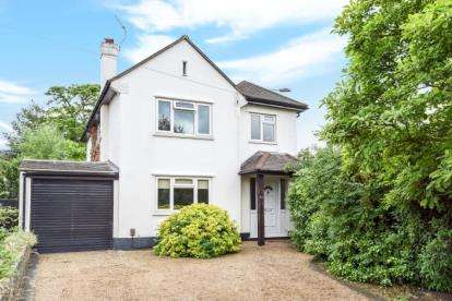 4 Bedrooms Detached House for sale in Ravenswood Avenue, West Wickham