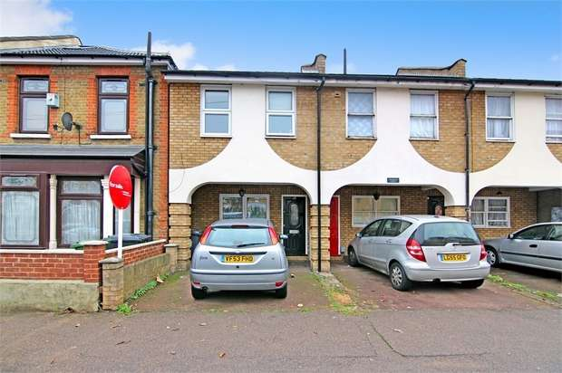 2 Bedrooms Terraced House for sale in Chelmsford Court, Chelmsford Road, London