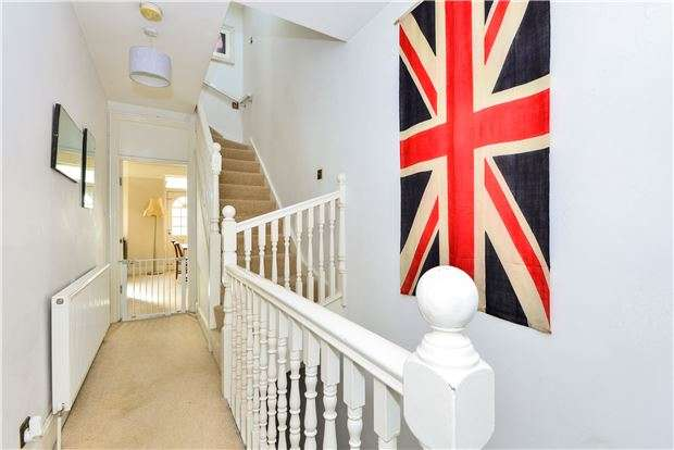 2 Bedrooms Maisonette Flat for sale in Bristol Hill, BRISTOL, BS4 5AA