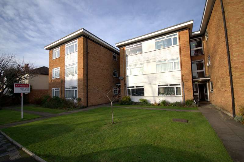 2 Bedrooms Flat for sale in The Groves