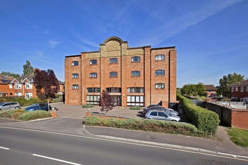 2 Bedrooms Flat for sale in Kingston Road, Taunton