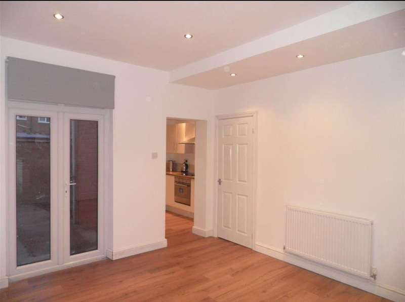3 Bedrooms Terraced House for sale in Corporation Street, Barnsley, South Yorkshire, S70