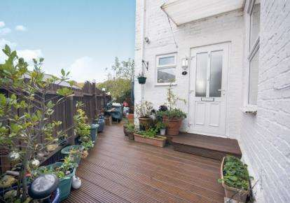 2 Bedrooms Maisonette Flat for sale in Shanklin, Isle of Wight