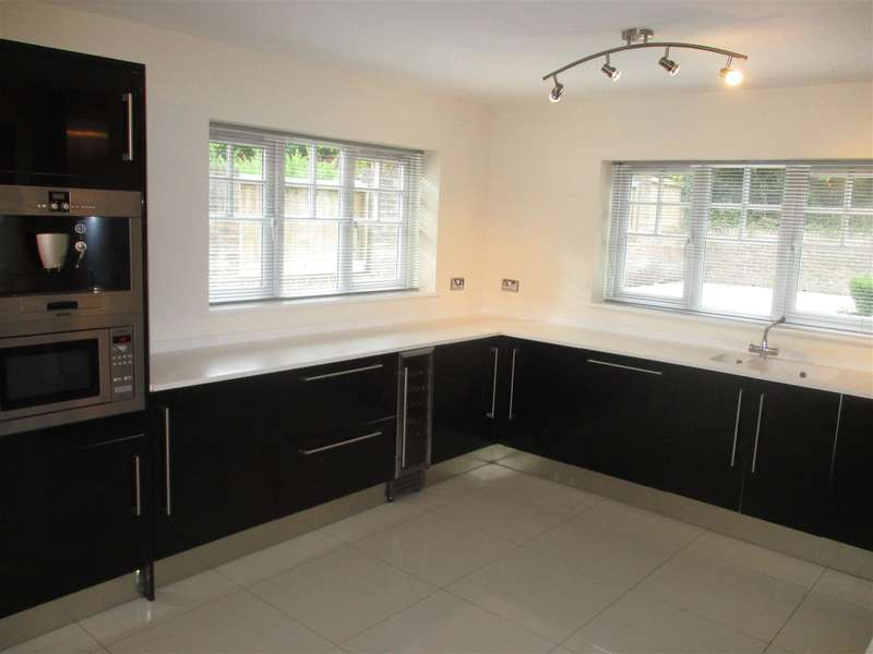 5 Bedrooms Property for sale in Lisvane Road, Llanishen, Cardiff