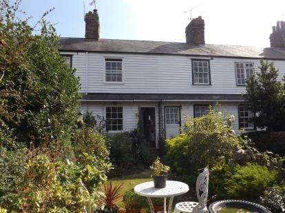 2 Bedrooms Terraced House for sale in Burnham On Crouch, Essex, Uk