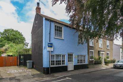 3 Bedrooms Detached House for sale in Foulsham, Dereham, Norfolk