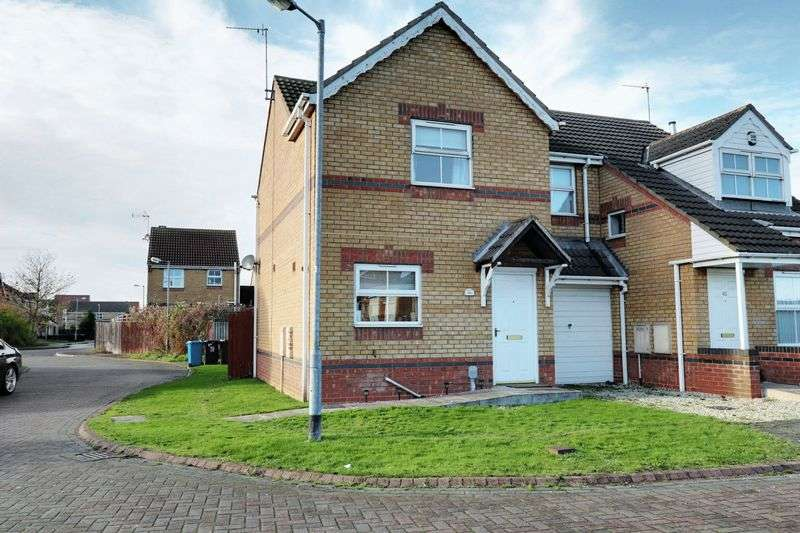 2 Bedrooms Semi Detached House for sale in Bowmont Way, Kingswood