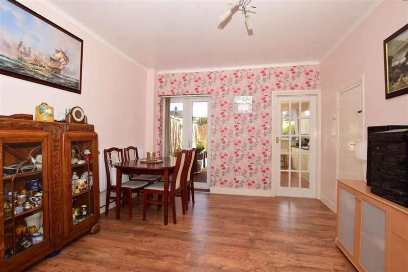 3 Bedrooms Terraced House for sale in Horsa Road, Erith, Kent