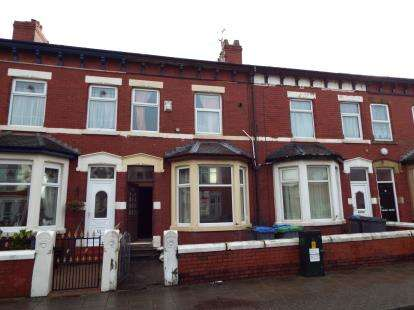 3 Bedrooms Terraced House for sale in George Street, Blackpool, Lancashire, FY1