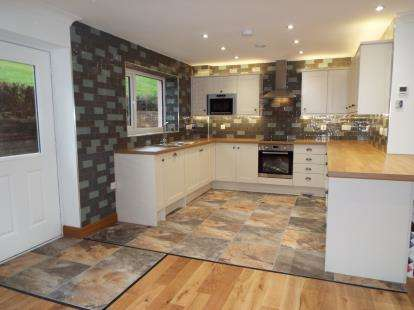 4 Bedrooms Terraced House for sale in Old Conway Road, Mochdre, Colwyn Bay, Conwy, LL28