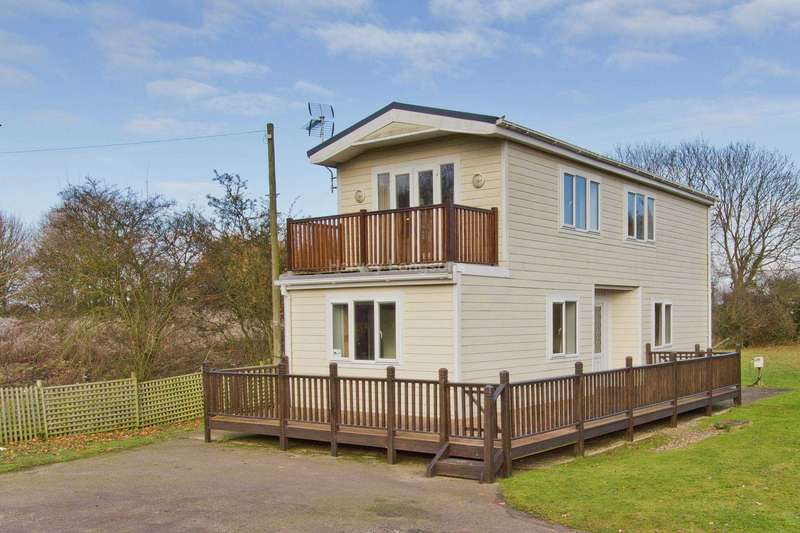 3 Bedrooms Lodge Character Property for sale in Saxmundham, Suffolk