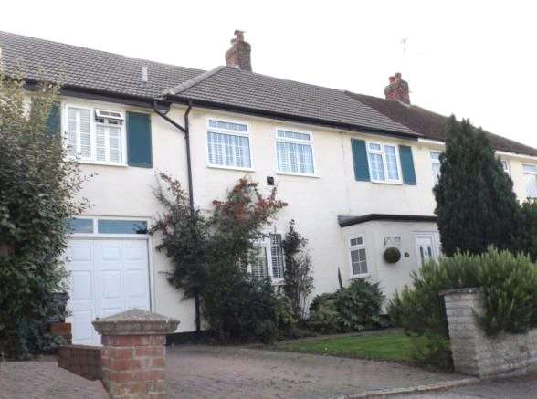 3 Bedrooms Semi Detached House for sale in Graylands, Theydon Bois, Epping, Essex, CM16