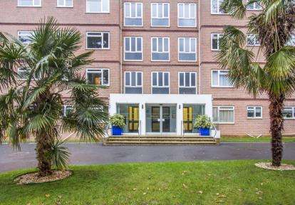 3 Bedrooms Flat for sale in 48 Western Road, Poole, Dorset