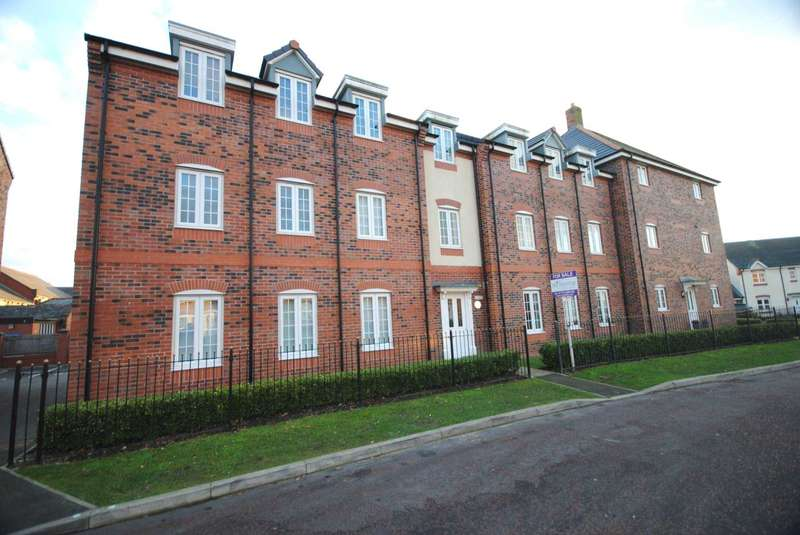 2 Bedrooms Apartment Flat for sale in Pear Tree Close, Wesham