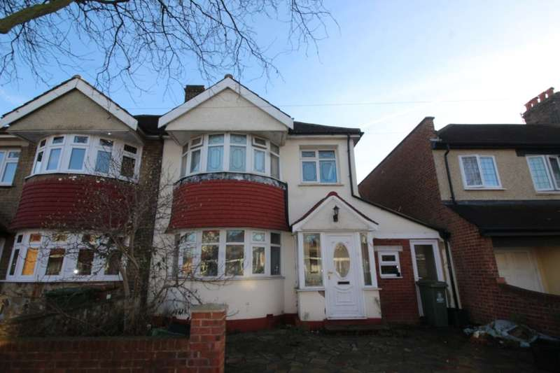 3 Bedrooms Semi Detached House for sale in Axminster Crescent, Welling, DA16