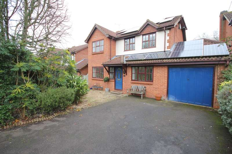 5 Bedrooms Detached House for sale in Wondesford Dale, Binfield