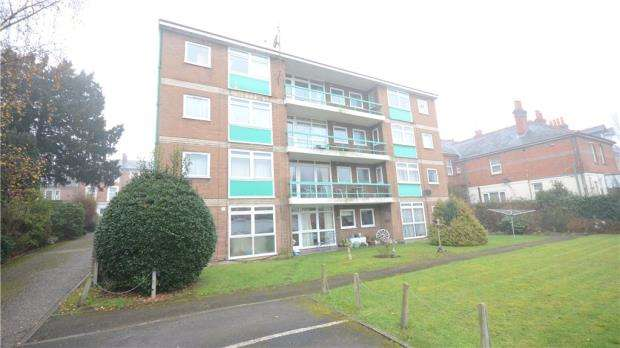 Apartment Flat for sale in Charfield Court, Hamilton Road, Reading