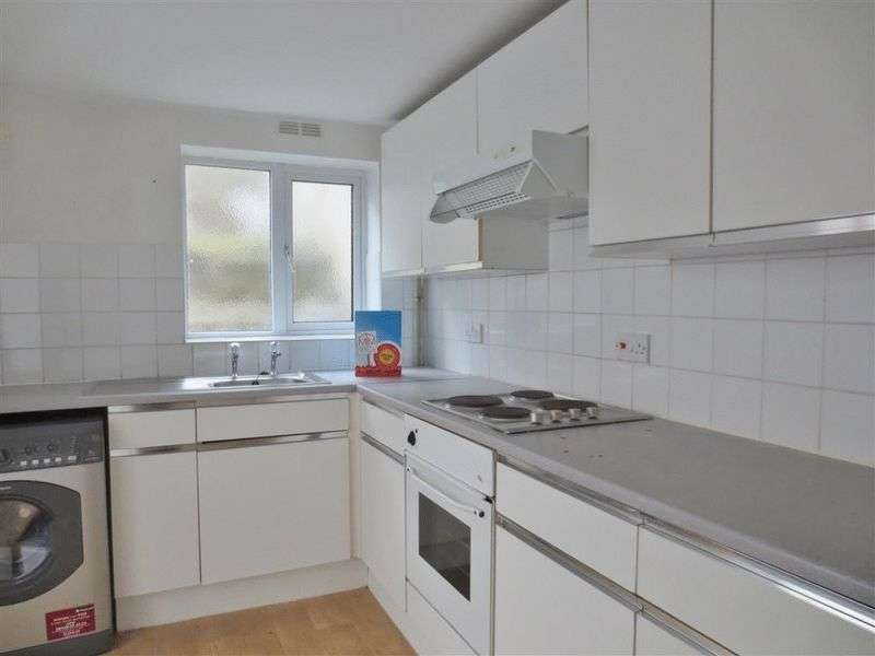 4 Bedrooms Terraced House for rent in Newmarket Road, Brighton