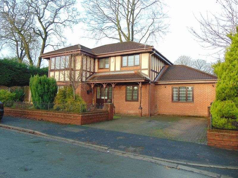 4 Bedrooms Detached House for sale in 1 Darlington Close, Woolfold, Bury