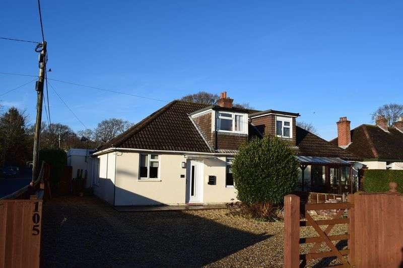 4 Bedrooms Semi Detached Bungalow for sale in Hampton Lane, Southampton