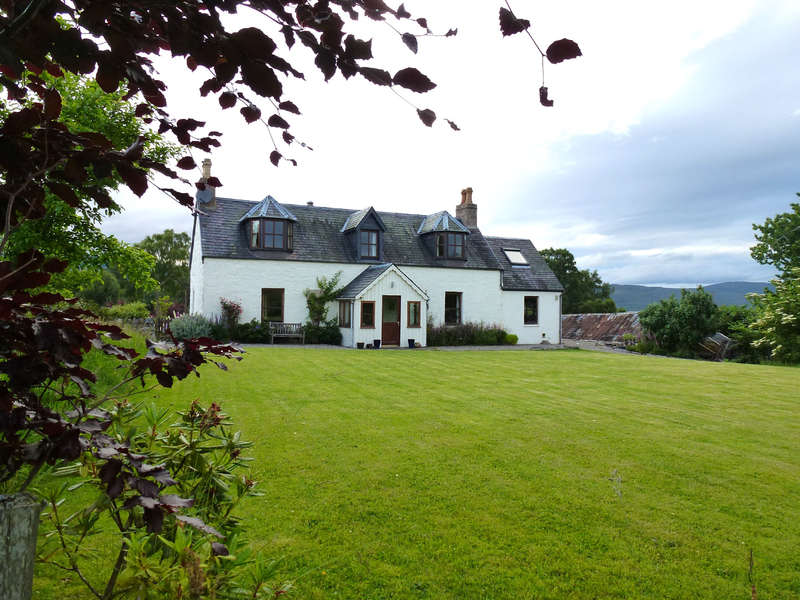 4 Bedrooms Detached House for sale in By Aviemore, PH22 1QT