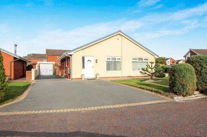 3 Bedrooms Bungalow for sale in The Mews, Lytham St. Annes, Lancashire, England, FY8