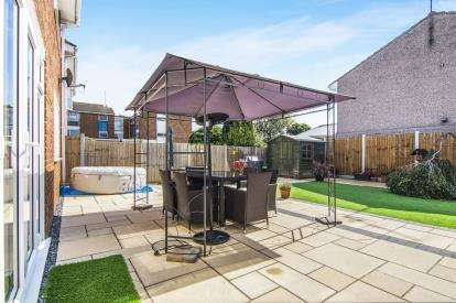 4 Bedrooms Detached House for sale in East Tilbury, Tilbury, Essex