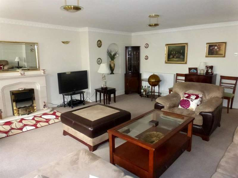 4 Bedrooms Unique Property for sale in West Road, Nottage Village, Porthcawl