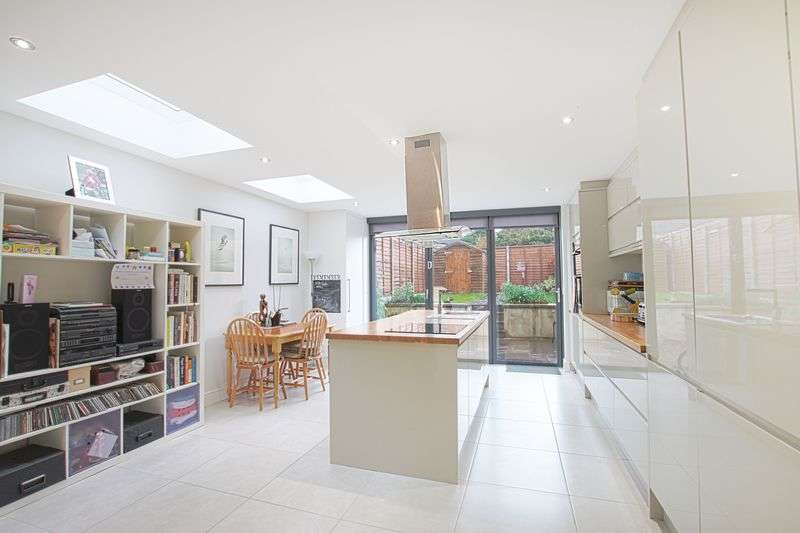 4 Bedrooms Terraced House for sale in Malpas Road, Brockley