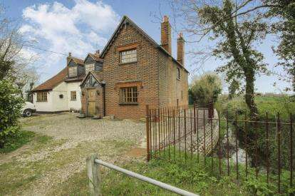 5 Bedrooms Detached House for sale in Ongar, Essex, The Old School