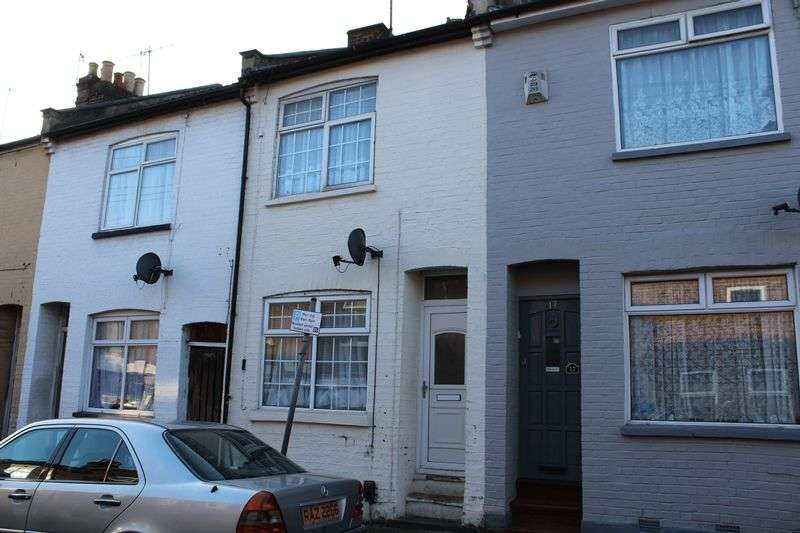 3 Bedrooms Terraced House for sale in Good Value for Money