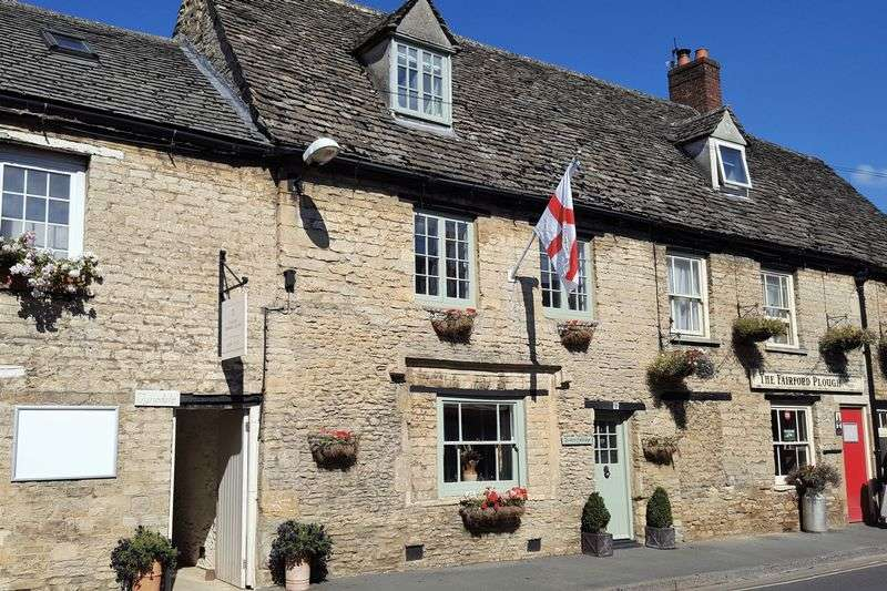 2 Bedrooms Terraced House for sale in London Street, Fairford, Gloucestershire.