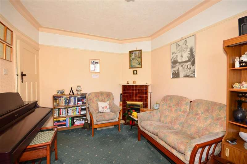 3 Bedrooms Terraced House for sale in Wiseman Road, Leyton