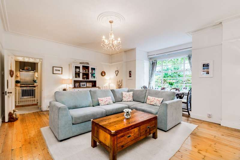 2 Bedrooms Flat for sale in Arlington Court, East Twickenham/St. Margaret's