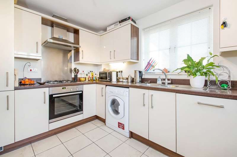 2 Bedrooms Ground Flat for sale in Hambledon, Hampshire