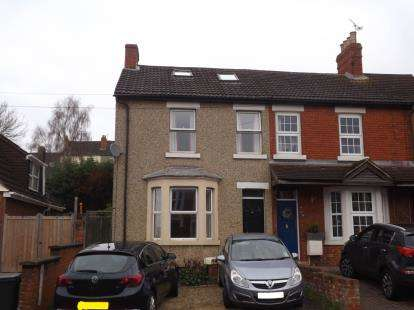 3 Bedrooms Semi Detached House for sale in Kingshill Road, Swindon, Wiltshire
