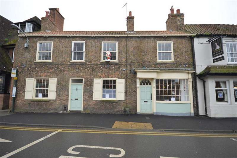 5 Bedrooms Shop Commercial for sale in Market Place, Hornsea, East Yorkshire